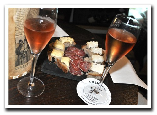Champagne-and-Nibbles