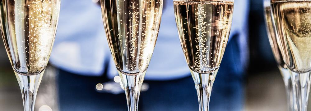 Champagne and Prosecco bubbles
